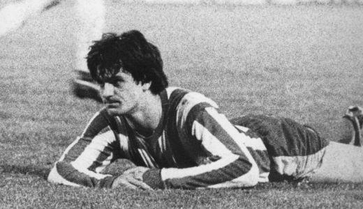 Malerozni Ivan Jurišić nakon što je zatresao mrežu sopstvenog gola