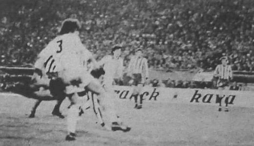 Ivan Jurišić postiže autogol protiv Borusije