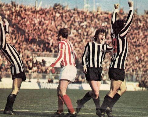 Fudbaleri Partizana Moca Vukotić, Borivoje Đorđević i Nenad Cvetković slave izjednačujući pogodak