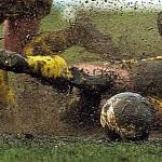 Brutalni napad sekirom na gol