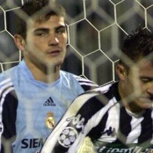 Iker Kasiljas (Real) i Saša Ilić (Partizan)