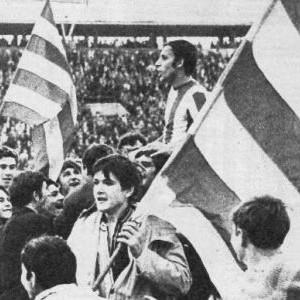 Džajić na ramenima navijača posle derbija sa Partizanom
