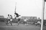Detalj sa meča Partizan - Dinamo 5:1, odigran 1946. godine u Beogradu