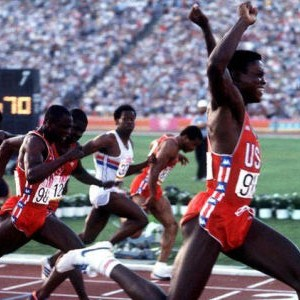 Karl Luis, pobednik finalne trke na 100 metara u Los Anđelesu