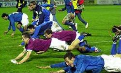 Slavlje fudbalera Varteksa nakon eliminacije Aston Vile (FOTO: AP)