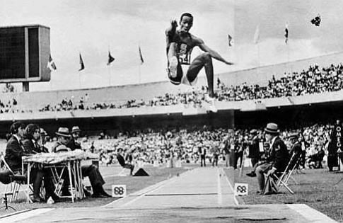 Bob Bimon prilikom istorijskog skoka u Meksiku
