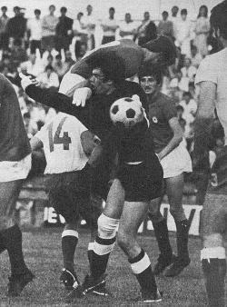 Gužva pred Hajdukovim golom neposredno pre drugog gola Kragujevčana