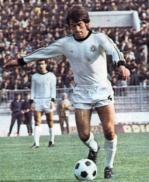 Sjajni Aleksandar Trifunović (Partizan) pružao je te jeseni igre karijere zbog čega je zaslužio i poziv u reprezentaciju