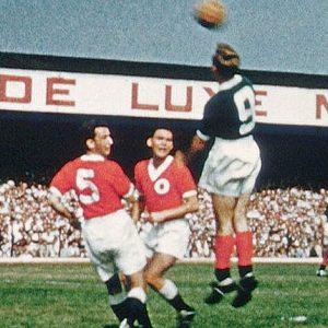 """Detalj sa utakmice Velika Britanija - """"Ostatak Evrope"""" 1:4 odigrane 1955. godine"""