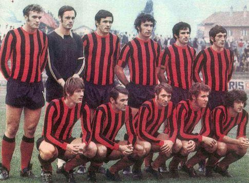 Ekipa Slobode u sezoni 1972/73, koja je ostvarila jedan od najvećih međunarodnih uspeha u klupskoj istoriji. Stoje (sleva): Avdičević, Mešković, Alibegović, Hatunić, Fazlić, Jovičić. Čuče (sleva): Subašić, Jevremović, Jusić, Mulahasanović i Hukić