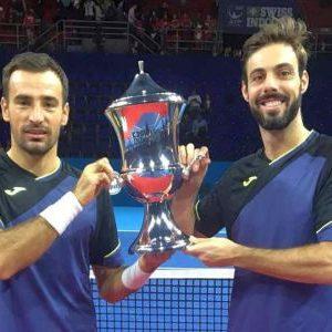 Ivan Dodig i Španac Marsel Granoljers, pobednici turnira u Bazelu