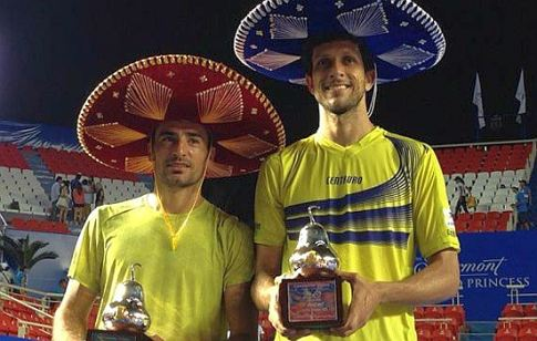Ivan Dodig (levo) i Brazilac Marselo Melo, pobednici turnira u Akapulku 2015. godine