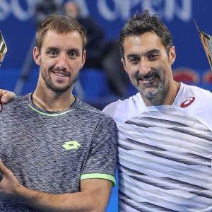 Nenad Zimonjić (desno) je sa Viktorom Troickim osvojio ATP turnir u Sofiji 2017. godine