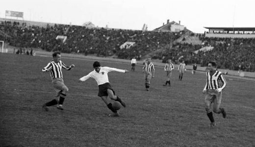 Detalj sa utakmice Partizan - Hajduk 0:0 iz oktobra 1951. godine (FOTO: crno-bela-nostalgija.blogspot.rs)
