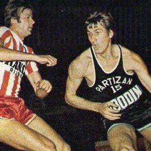 Ivan Sarjanović (levo, Zvezda) i Praja Dalipagić (Partizan)