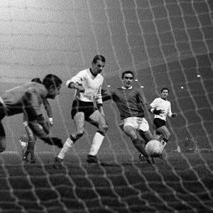 Prvi gol Mančestera u revanš-utakmici protiv Sarajeva