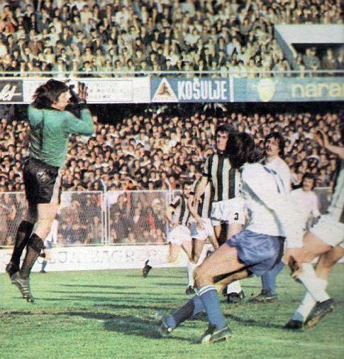 Hajduk - Partizan 2:2: Intervencija golmana Blagoja Istatova (Partizan)