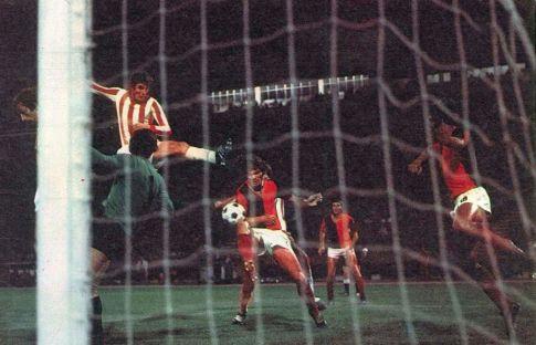 Crvena zvezda - Čelik 2:1: Jedna od gužvi pred golom gostiju