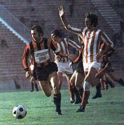 Crvena zvezda - Vardar 4:1: Vančo Spasovski (levo, Vardar) pokušava da pobegne sa loptom