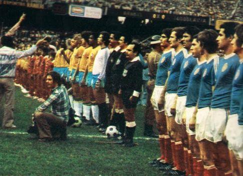 Uoči početka utakmice Brazil - Jugoslavija