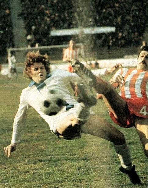 Crvena zvezda - Rijeka 2:0: Duel Damira Desnice (levo, Rijeka) i Slavoljuba Muslina