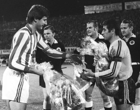 Uoči utakmice AEK - Zvezda 2:0: Kapiteni Vladislav Bogićević i Dimitris Papajoanu