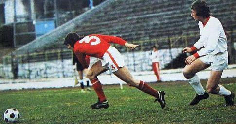 Velež - Sarajevo 0:1: Džemal Hadžiabdić (crveni dres, Velež) i Safet Sušić