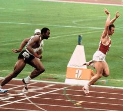 Borzov postaje olimpijski šampion u trci na 100 metara, levo je Amerikanac Tejlor