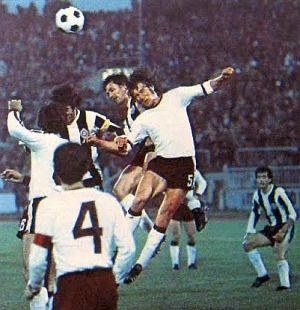Partizan - Sarajevo 2:0: Jedan od brojnih vazdušnih duela