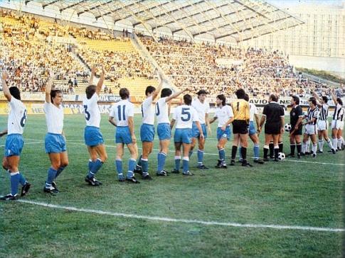 Fudbaleri Hajduka i Partizana pred početak susreta